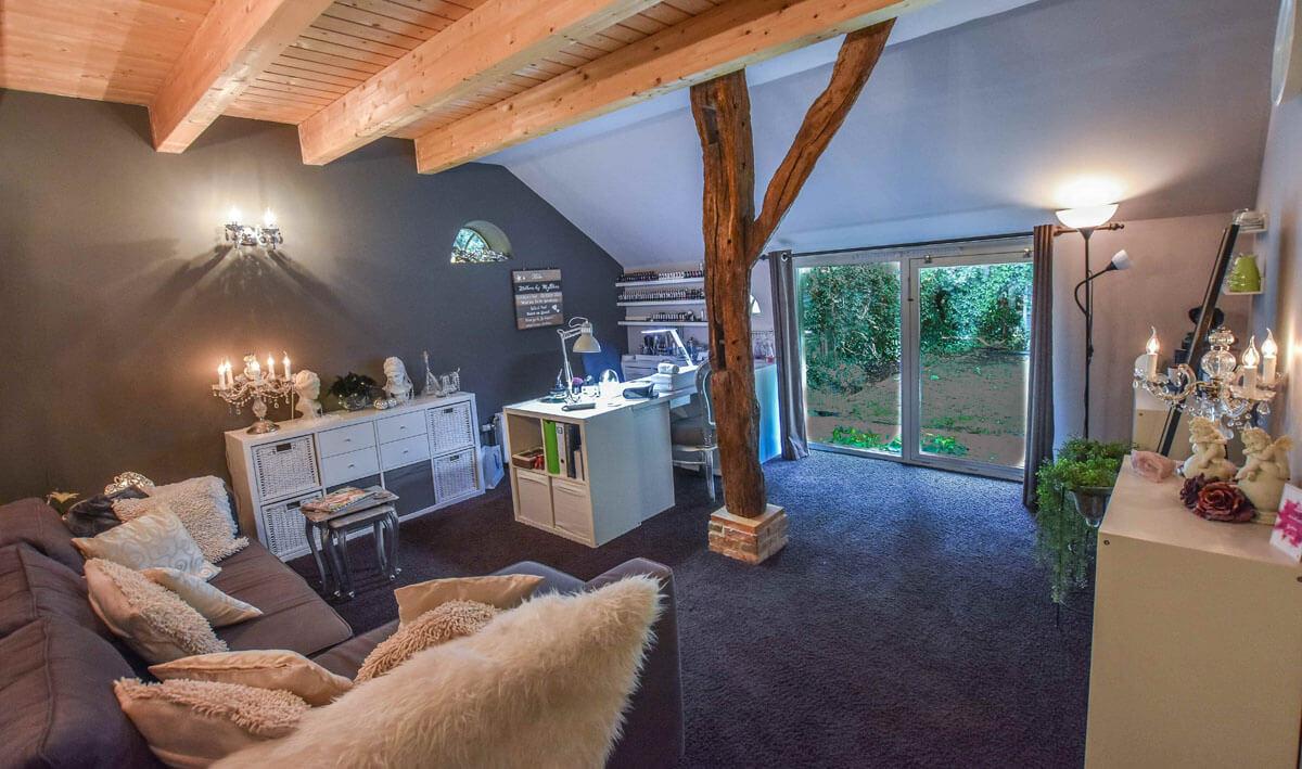 MyBliss Nagelstudio een grote knusse ruimte met privecy waar je heerlijk kunt ontspannen terwijl ik je nagels mooi maak